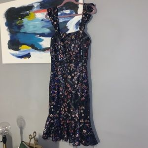 Dresses & Skirts - Body con style navy blue sequin dress!